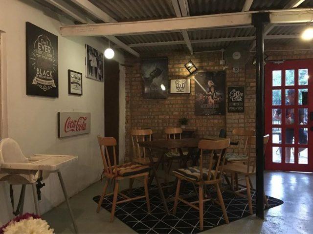 far haus cafe espresso room